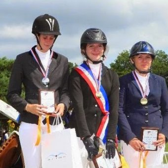 Photo Brillante participation au Championnat de France d'équitation